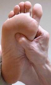 acupresion en el pie para el dolor de lumbago
